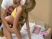 Русские девушки принуждают лизать
