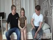 Порно анал молодые три девушки и парень