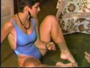 Видео мамочек ножки